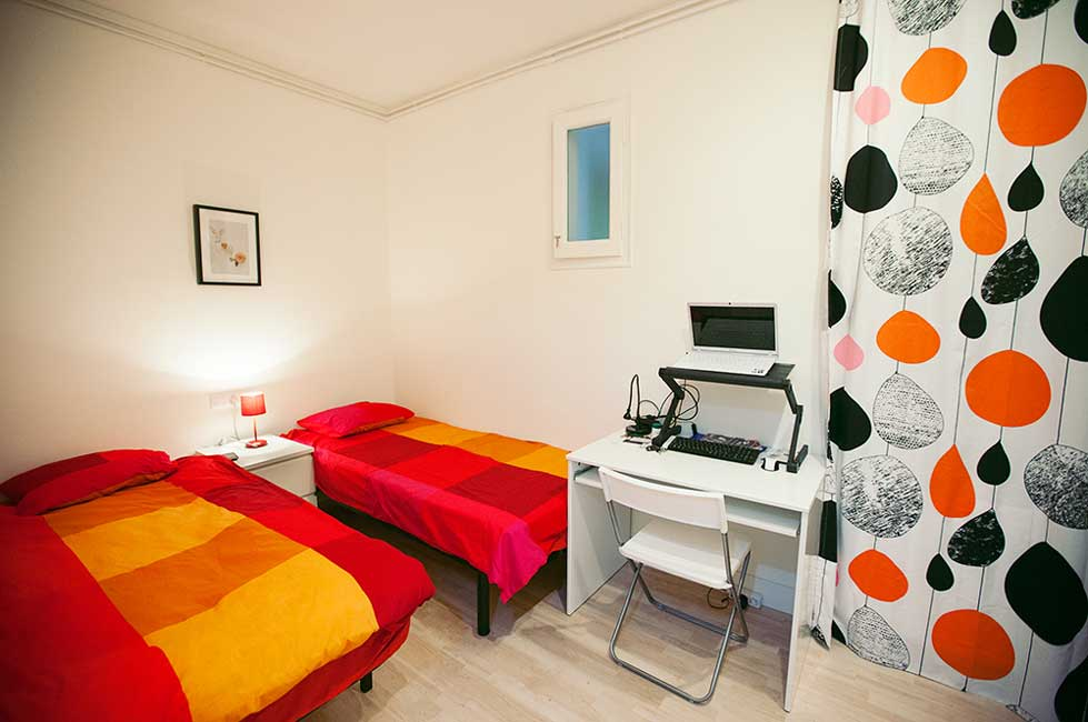 school accommodation in barcelona